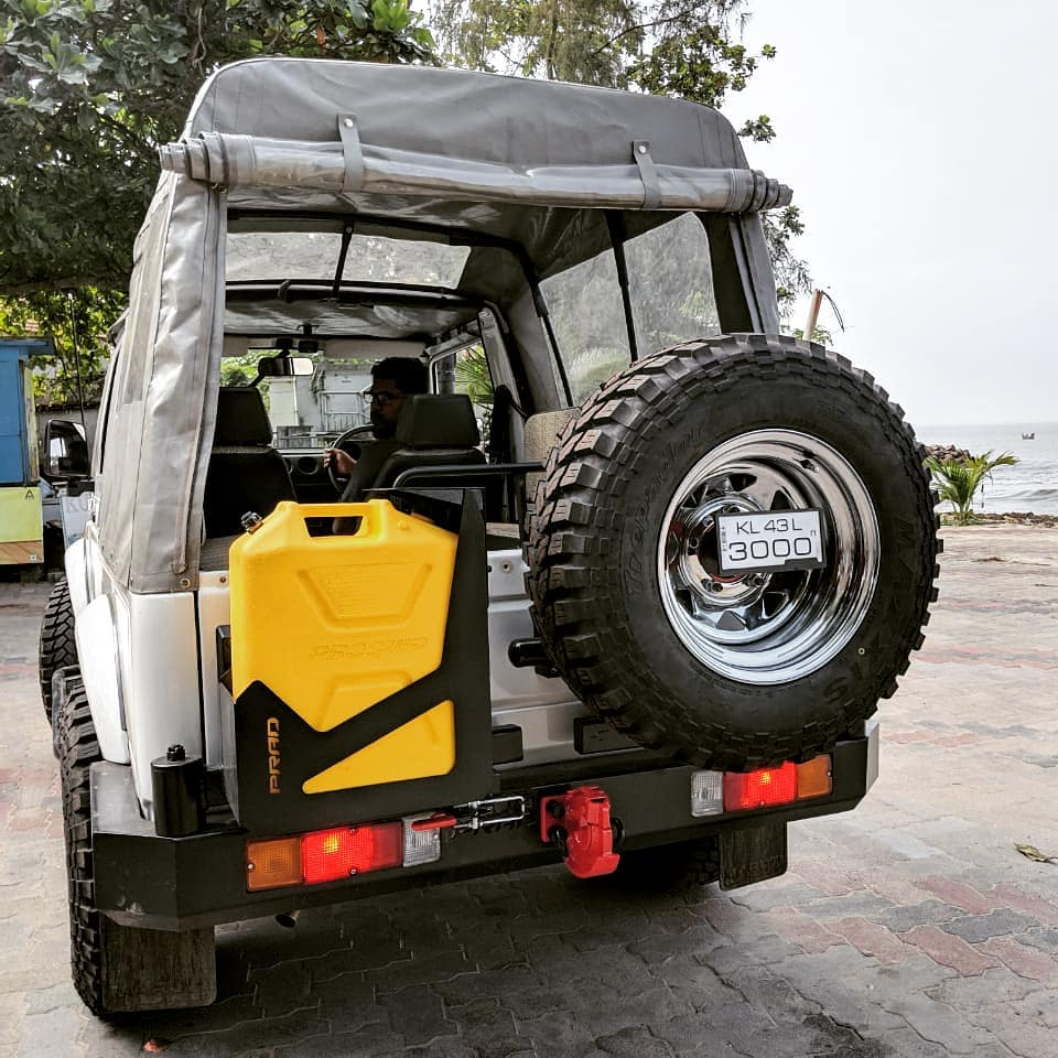 Gypsy Tandem Tyre Carrier With Dual Spindle Jerry Can Holder